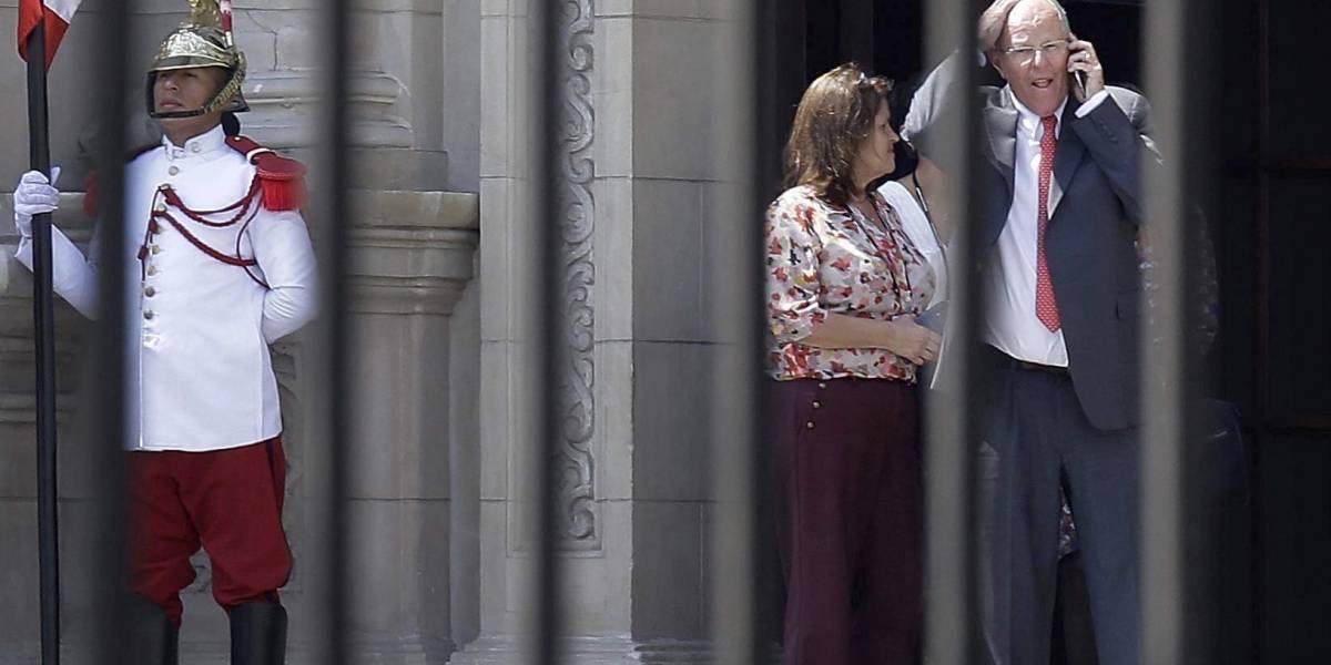 """PPK renuncia a la presidencia del Perú en medio de grave crisis política: declara al país en """"ingobernabilidad"""""""