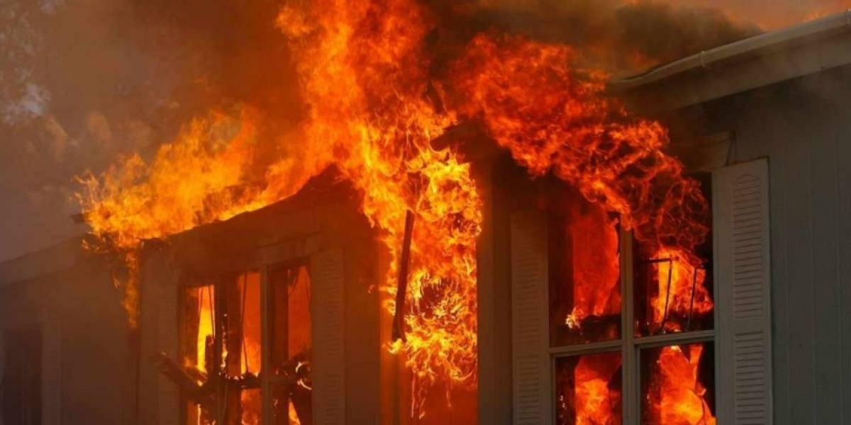 Ahoga a sus hijos, prende fuego a la casa y luego se suicida
