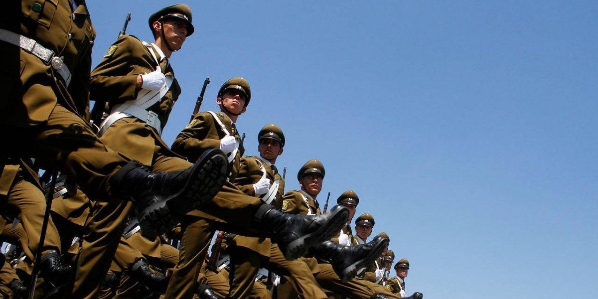 """¡Orden! La reforma más grande de Carabineros que obliga a 108 coroneles a """"entregar sus placas"""""""