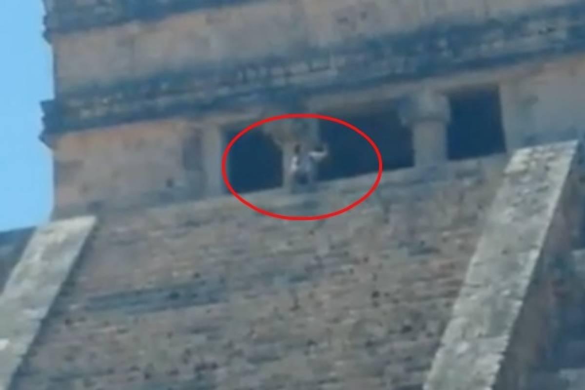 VIDEO: Turista sube a pirámide de Chichén Itzá para tomarse una selfie |  Publimetro México