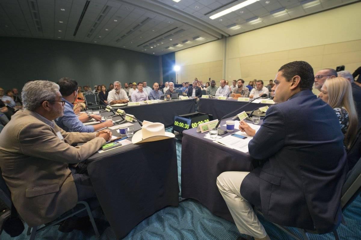"""El Sector de Café de la Asociación de Agricultores durante la mesa redonda """"El café después de María"""". / Foto: Suministrada"""