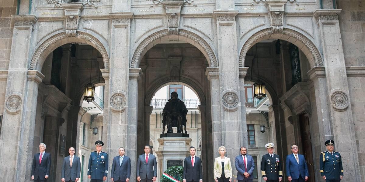 Peña Nieto conmemora el natalicio de Benito Juárez desde Palacio Nacional