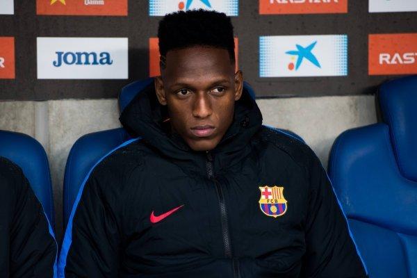Yerry Mina habría aceptado su salida del FC Barcelona