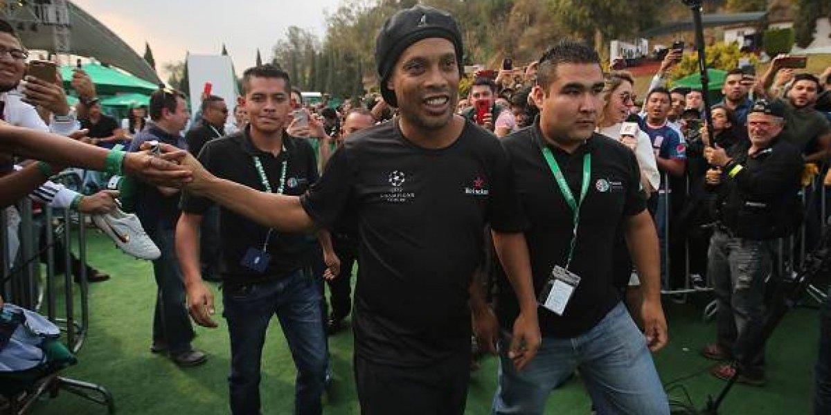 Ronaldinho se afilia a partido político y podría postularse a diputado