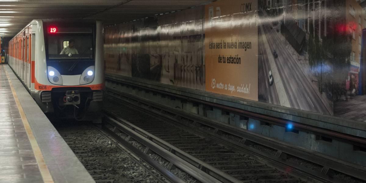 Convoy de Metro golpea a usuario en la cabeza en la estación Balderas