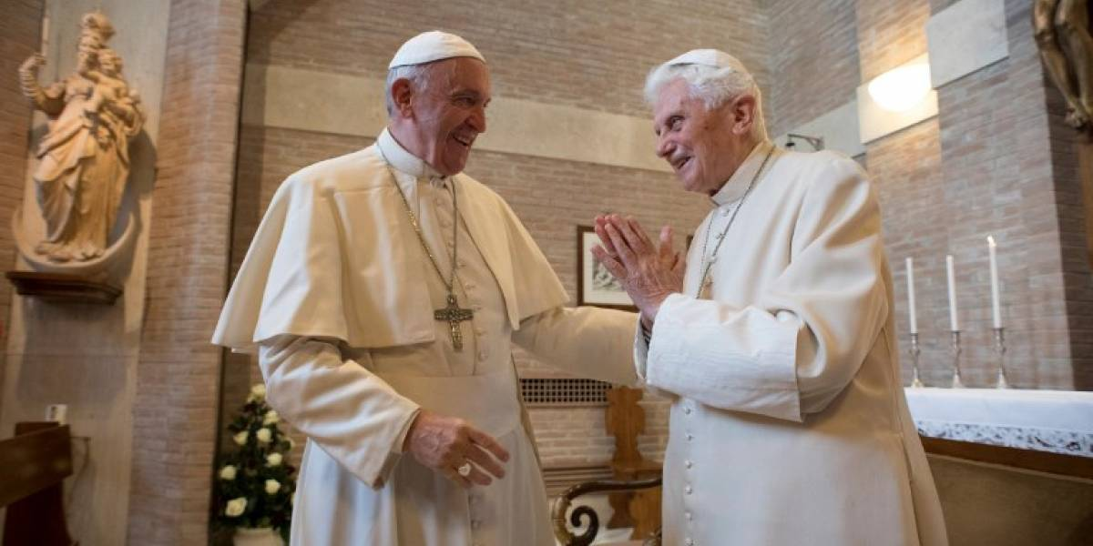 Renuncia jefe de comunicación del Vaticano envuelto en escándalo