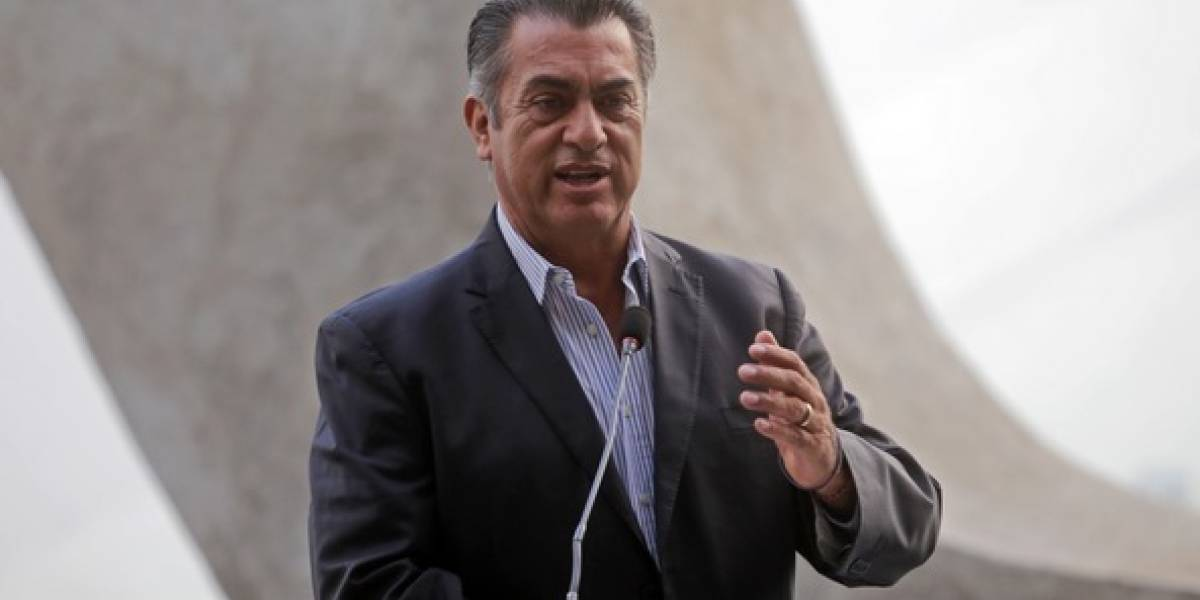 'El Bronco' recupera más de 14 mil firmas invalidadas por el INE