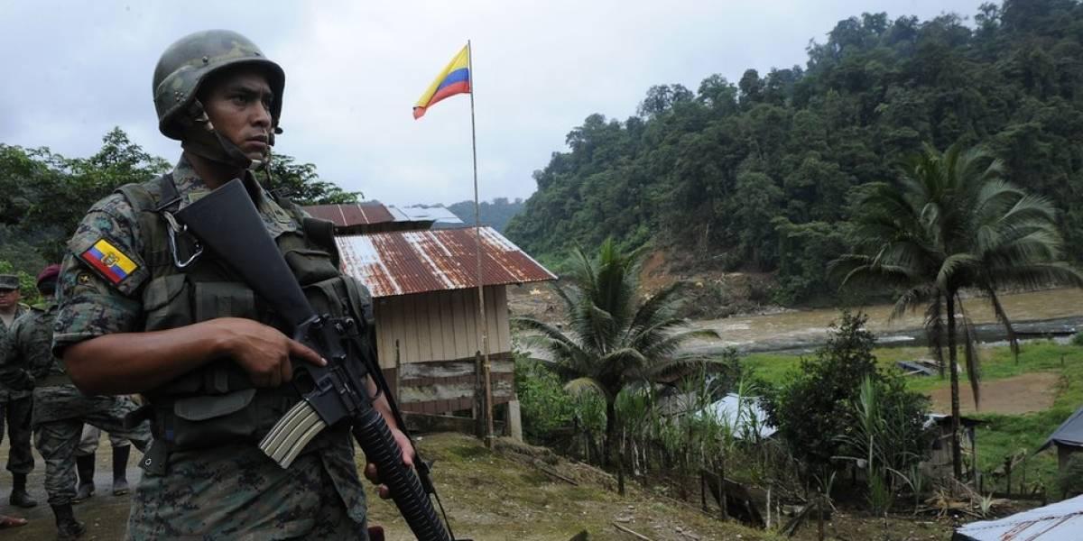 """El """"error"""" de El Tiempo que tiene discutiendo al ministro de Ecuador con Colombia"""