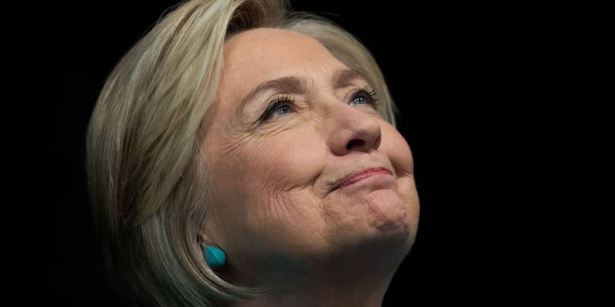Hillary Clinton y Louise Penny coescriben novela de misterio