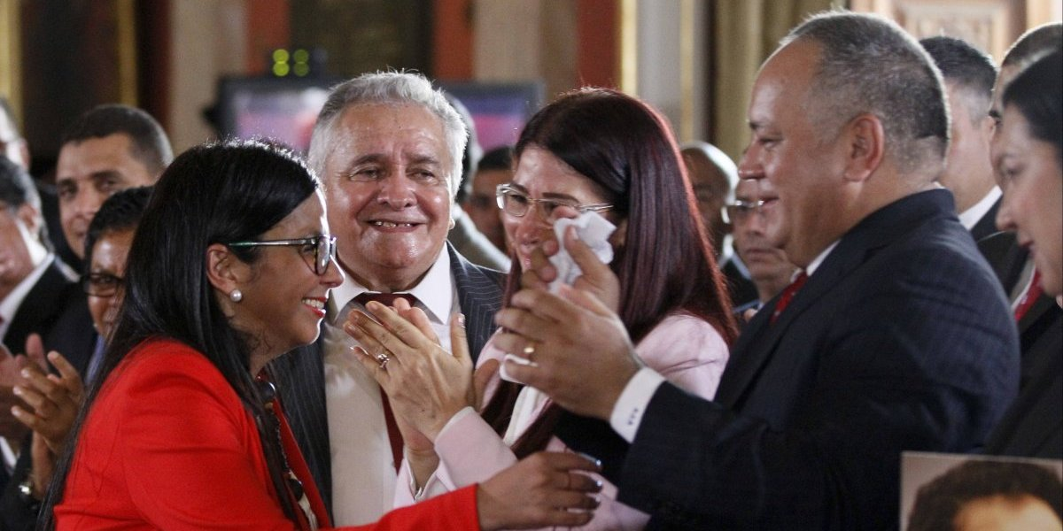 Chavismo festina con renuncia de PPK a través de redes sociales