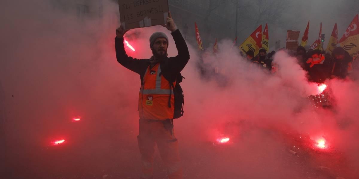Más de 400 mil personas protestan en Francia contra reformas de Macron