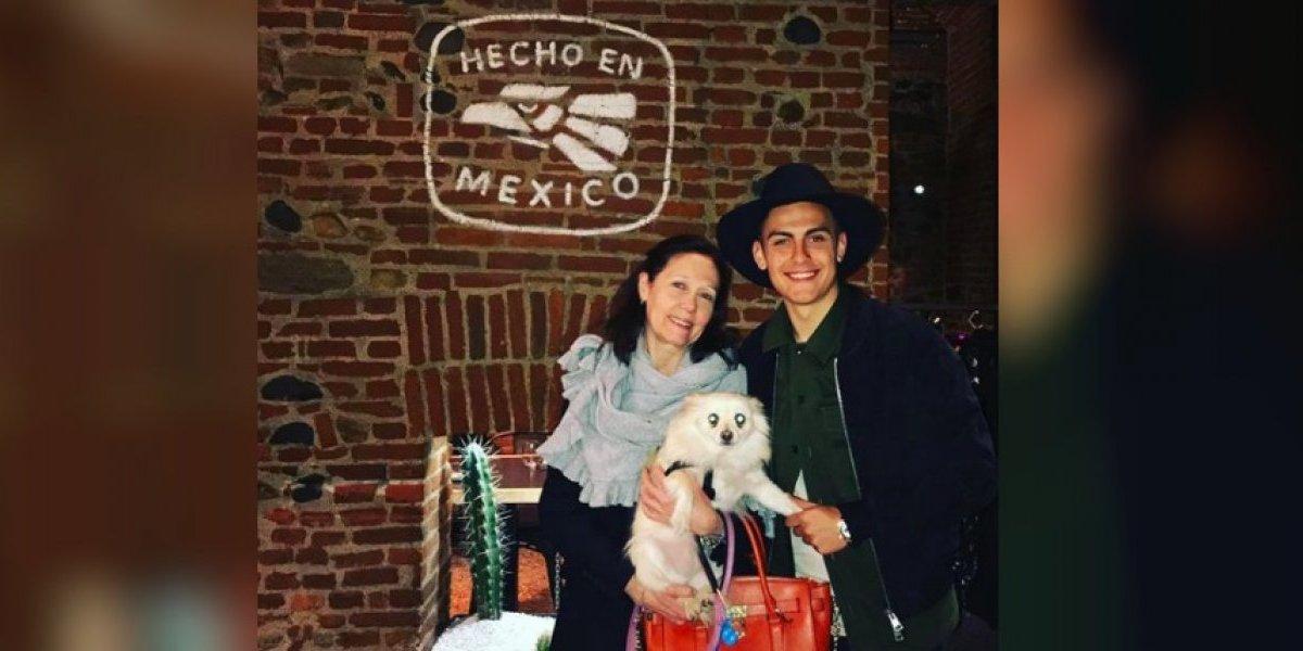 Paulo Dybala visita México, prueba la comida y así reacciona