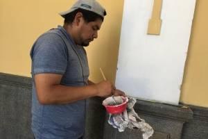 preparan carrozas para la Huelga de Dolores en el Paraninfo