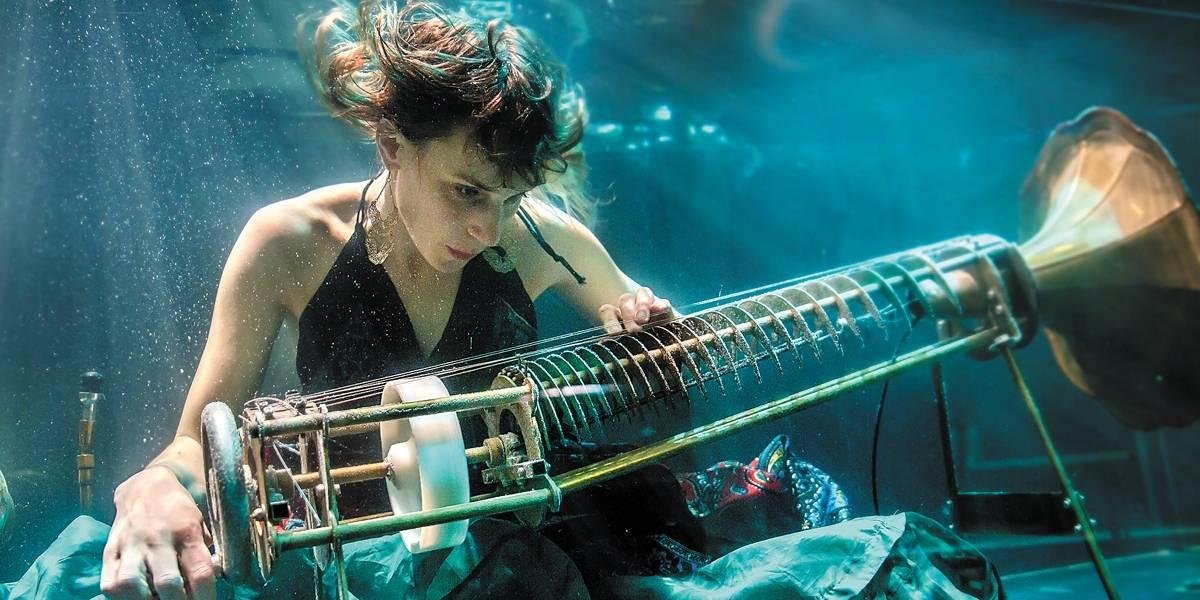 Grupo dinamarquês inova ao fazer música embaixo d'água!