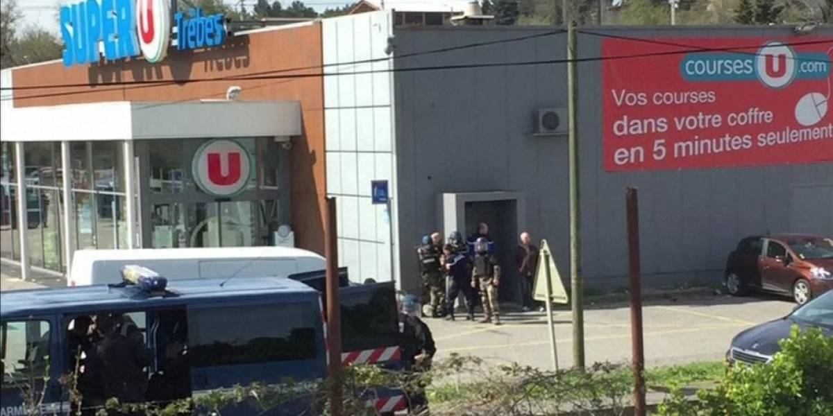 Atirador é morto pela polícia após fazer reféns e matar pessoas em supermercado na França
