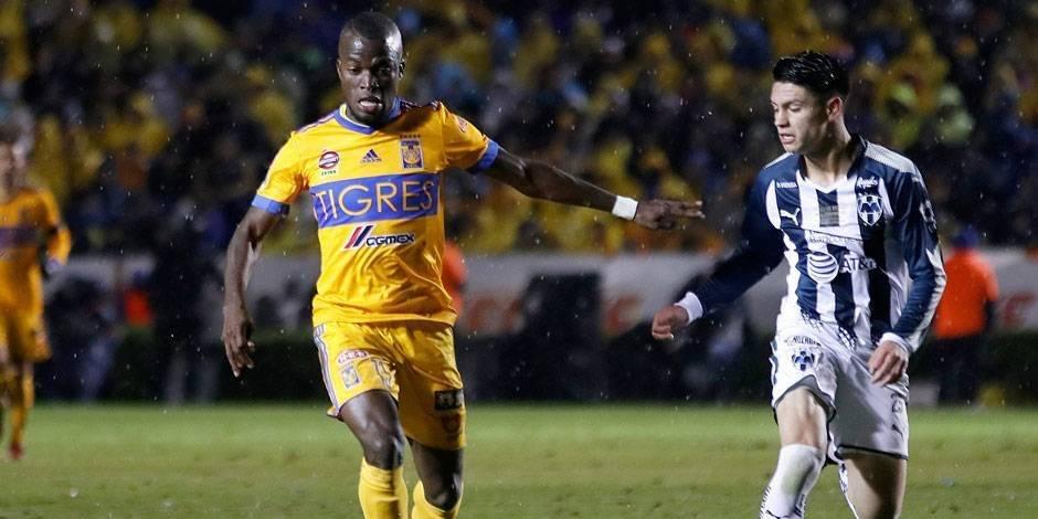 Enner Valencia, jugador de Tigres, hizo un gol en amistoso ante Pumas EFE