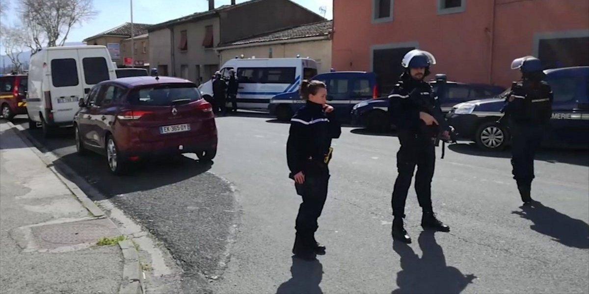 Dos muertos y 12 heridos en toma de rehenes en sur de Francia