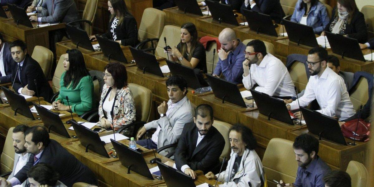 Ex candidato presidencial José Antonio Kast fue agredido durante visita a Iquique