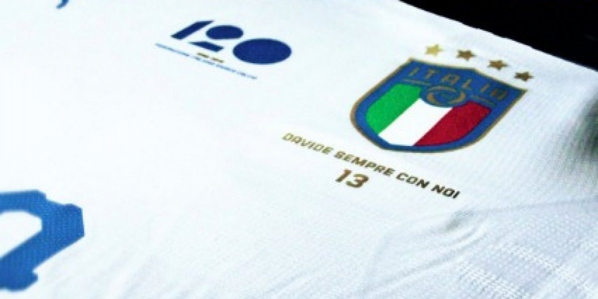 Selección de Italia jugará con playera conmemorativa a Davide Astori