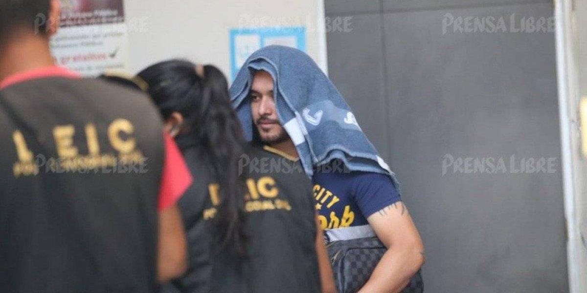 Detienen a futbolista guatemalteco por agredir a una mujer