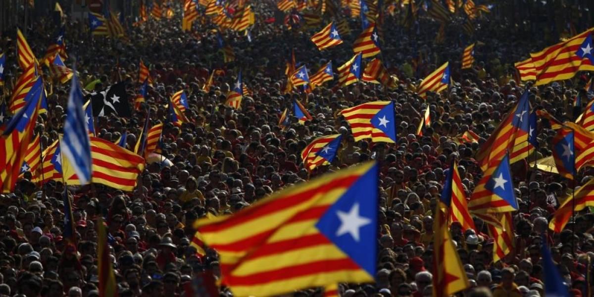 España acusa a 13 políticos catalanes de rebelión tras intento de declarar la independencia
