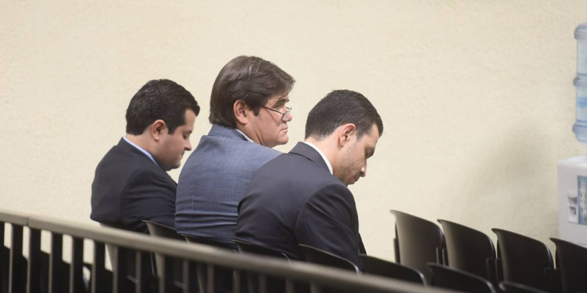 Empresarios aceptan que sobornaron al prófugo Alejandro Sinibaldi