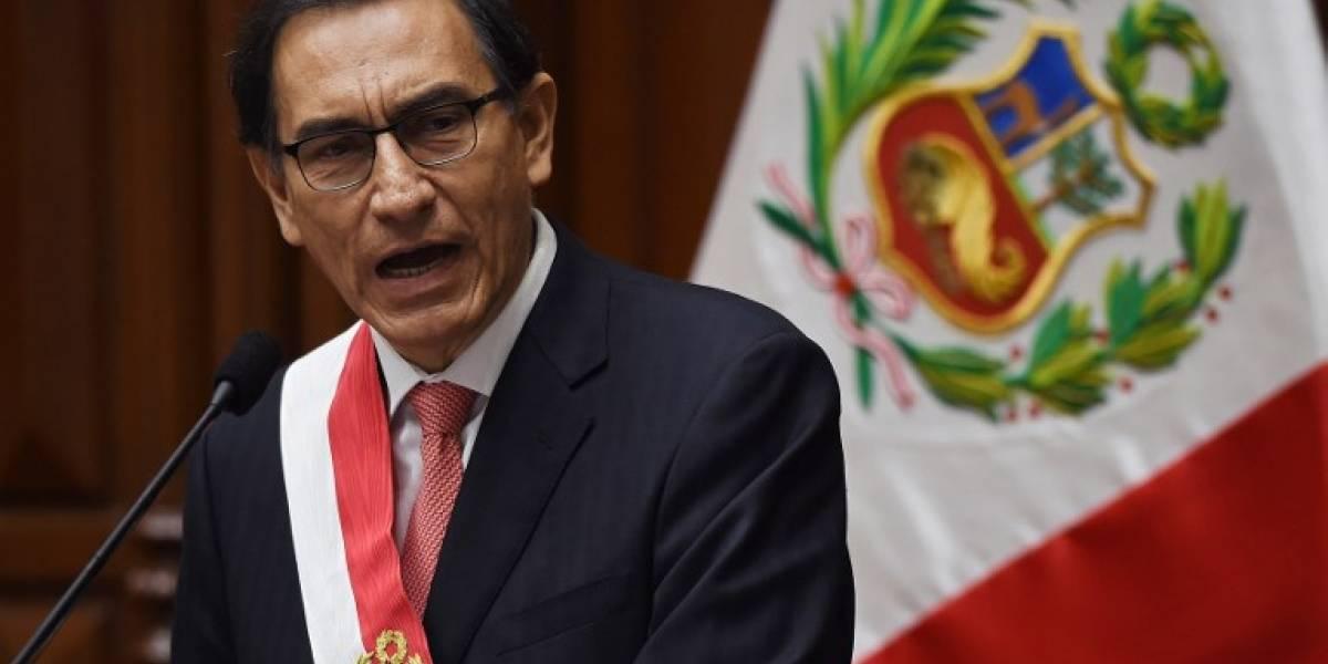 Vizcarra es juramentado como presidente y promete firme lucha contra corrupción