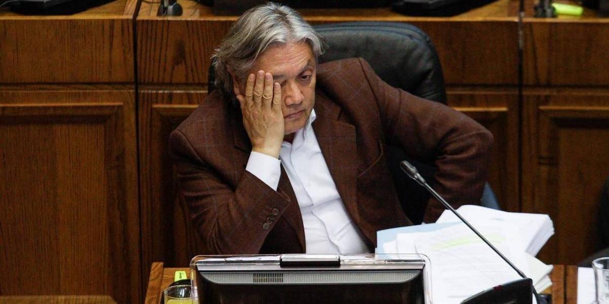 """""""Es un desprestigio para el Senado"""": Gobierno pide sacar a Navarro de la presidencia de la comisión de DD.HH de la cámara alta"""