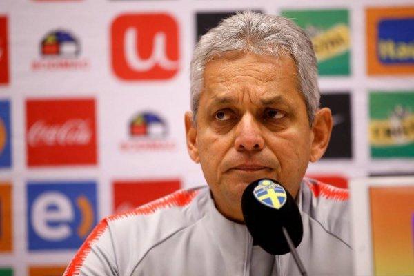 El colombiano se refirió a la polémica automarginación del capitán de la Roja / imagen: Photosport