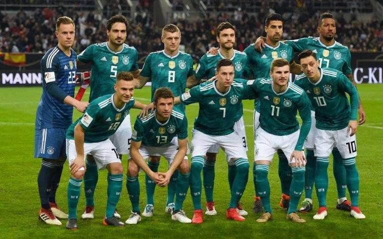Los alemanes en la foto de equipo