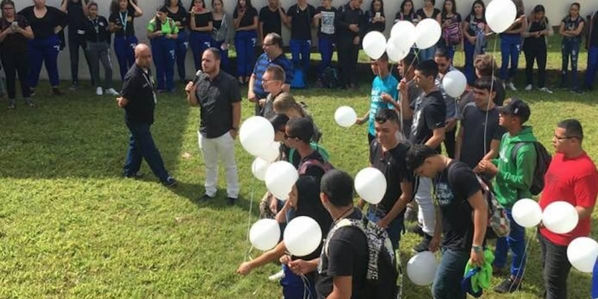 Así despidieron en escuela de San Sebastián a maestra que murió en salón de clases