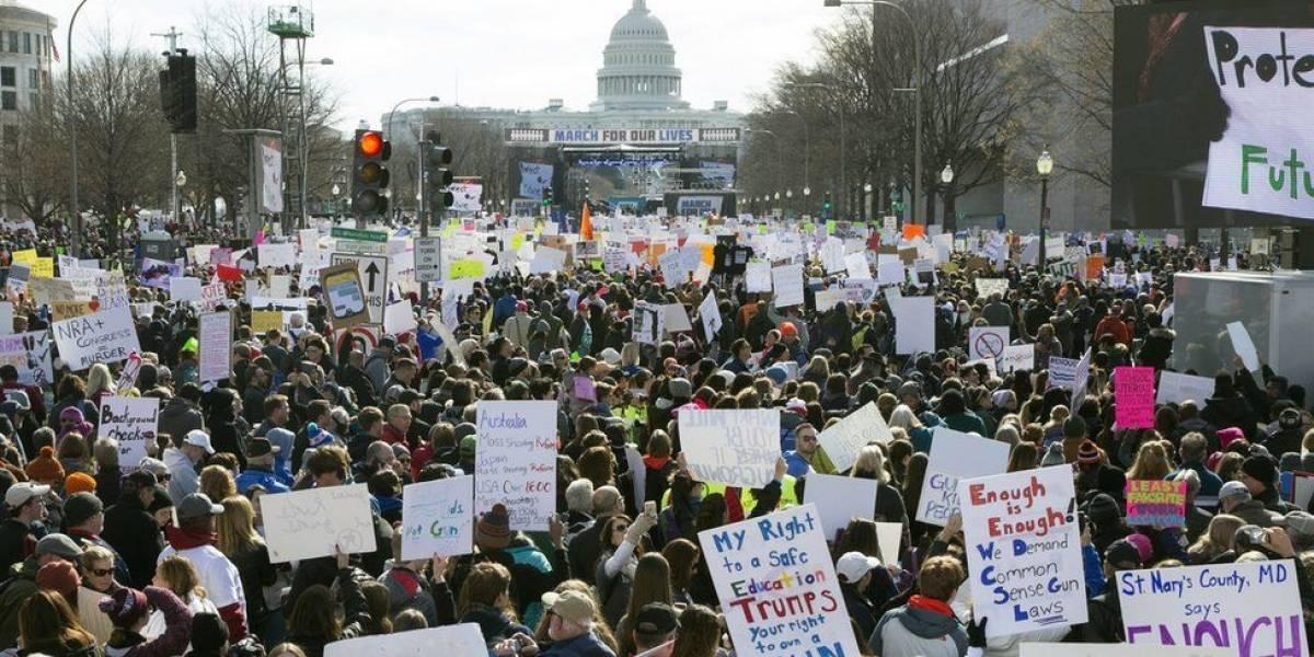 O protesto que começou com alunos de escolas públicas dos EUA e se espalhou por 800 cidades