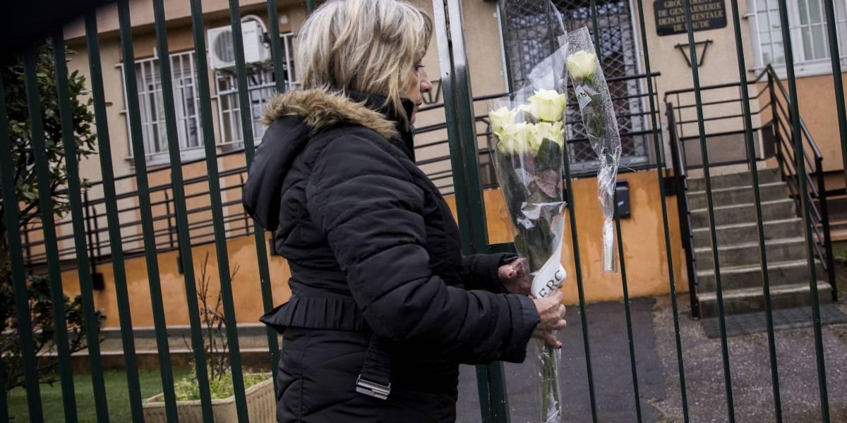 Muere el agente que se cambió por rehén en ataque en Francia