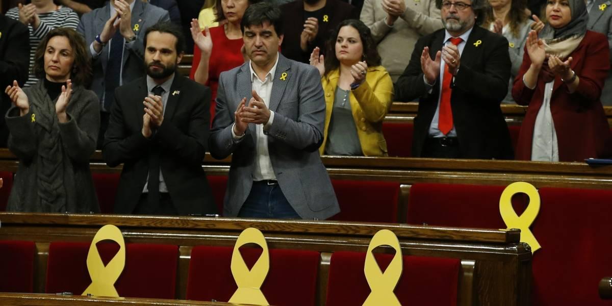 Parlamento de Cataluña suspende voto sobre candidato en prisión