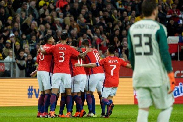 Chile venció a Suecia en el debut del colombiano en la banca / imagen: Agencia UNO