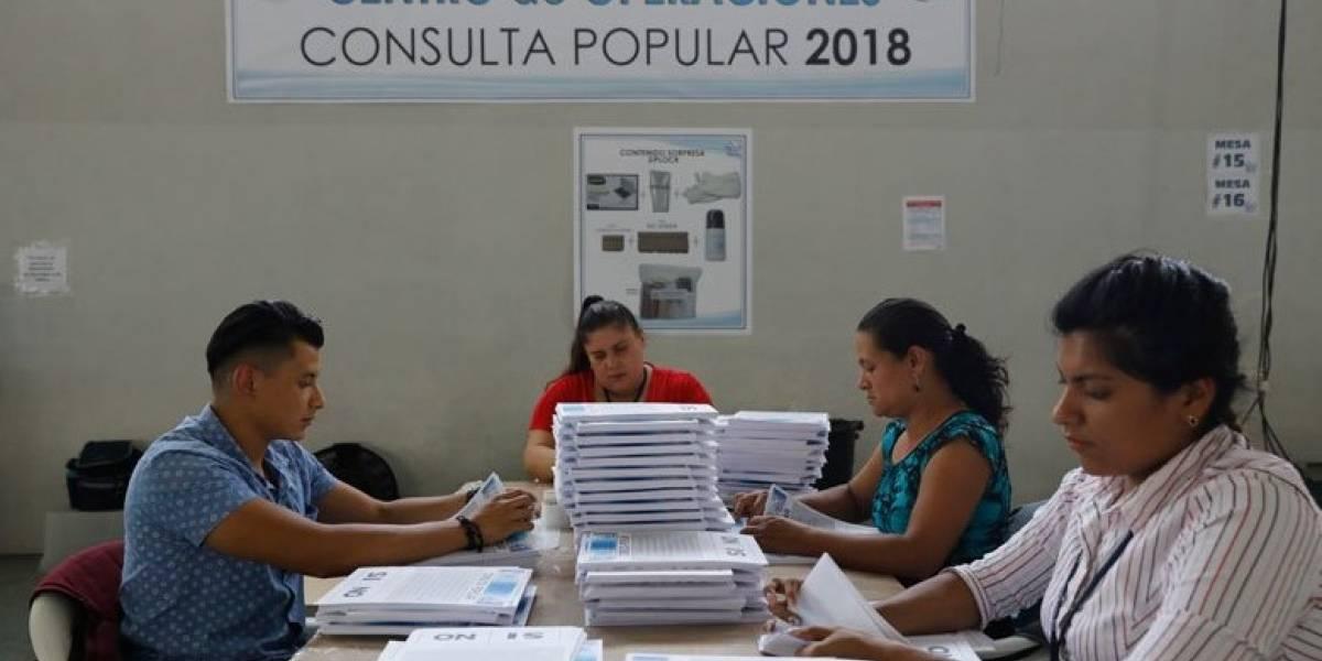 Inicia impresión de las boletas para la Consulta Popular, el gimnasta Jorge Vega invita a votar