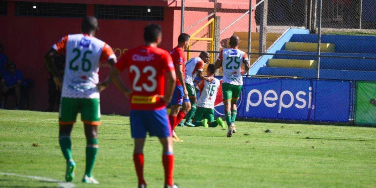 Siquinalá consigue un triunfo histórico en la cancha de Municipal