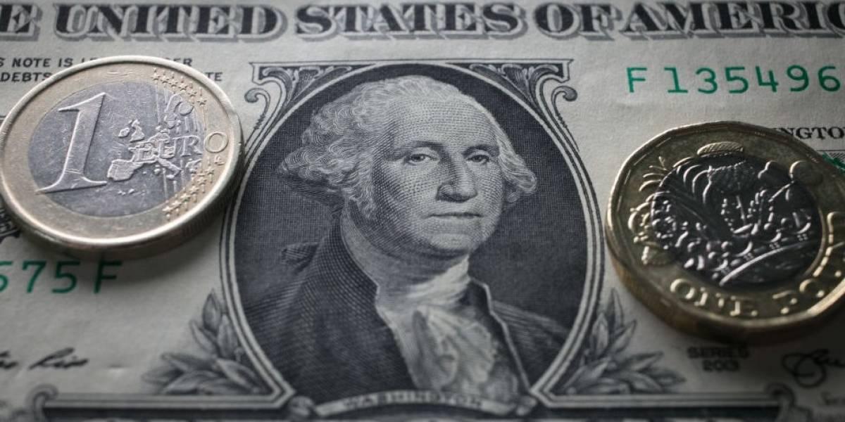 Dólar fecha próximo de R$ 3,50, no maior valor em quase dois anos