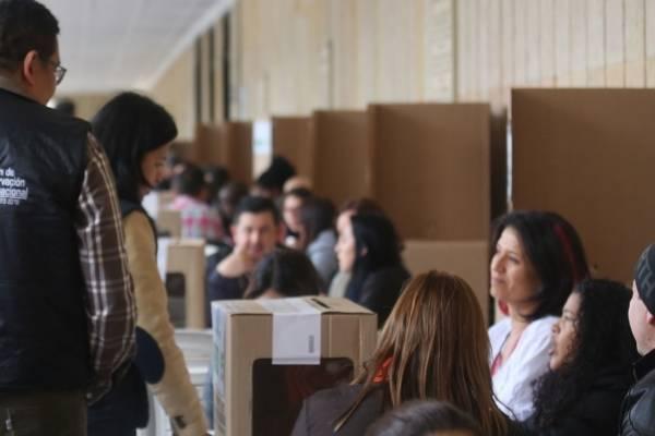 Fajardo y De la Calle proponen consulta para posible alianza