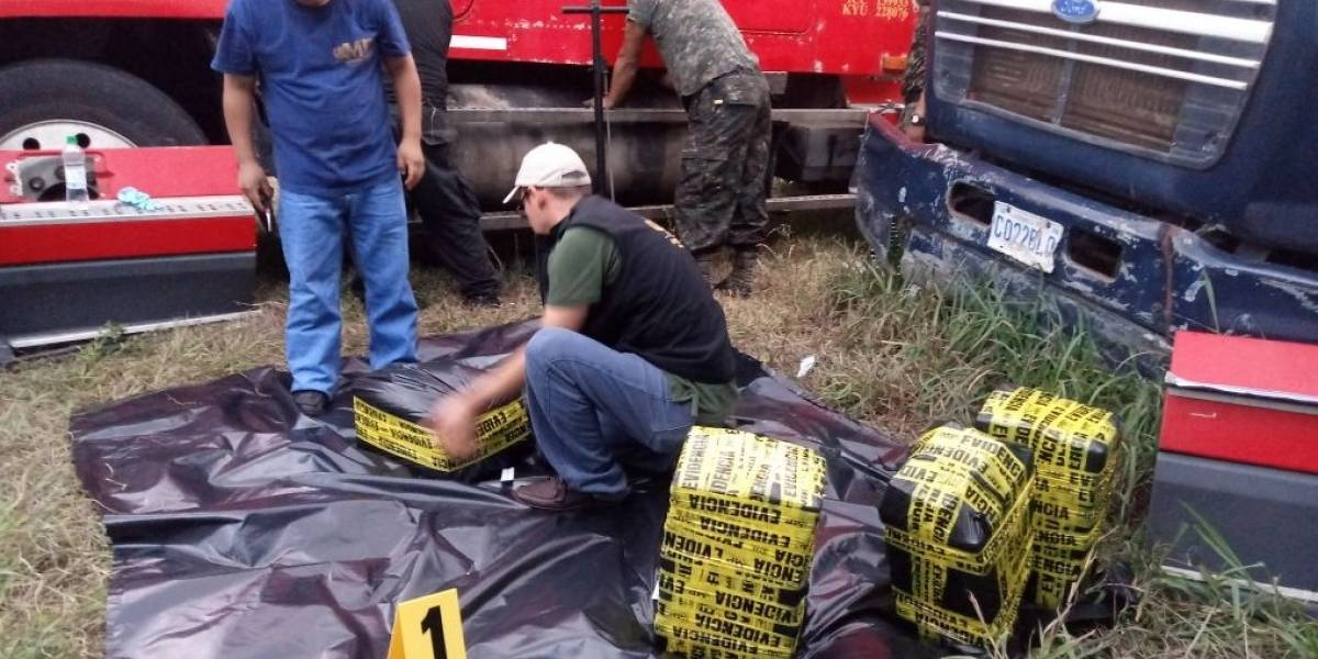 Valoran en más de un millón de dólares cocaína localizada en un trailer