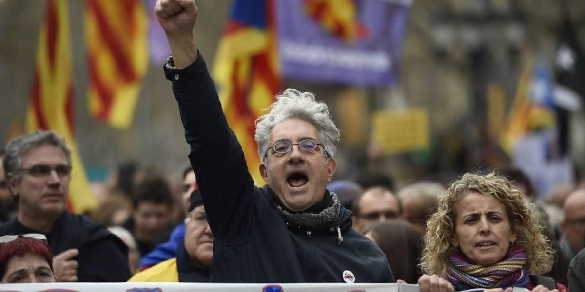 FOTOS. Miles de personas protestan en Barcelona tras detención de Puigdemont