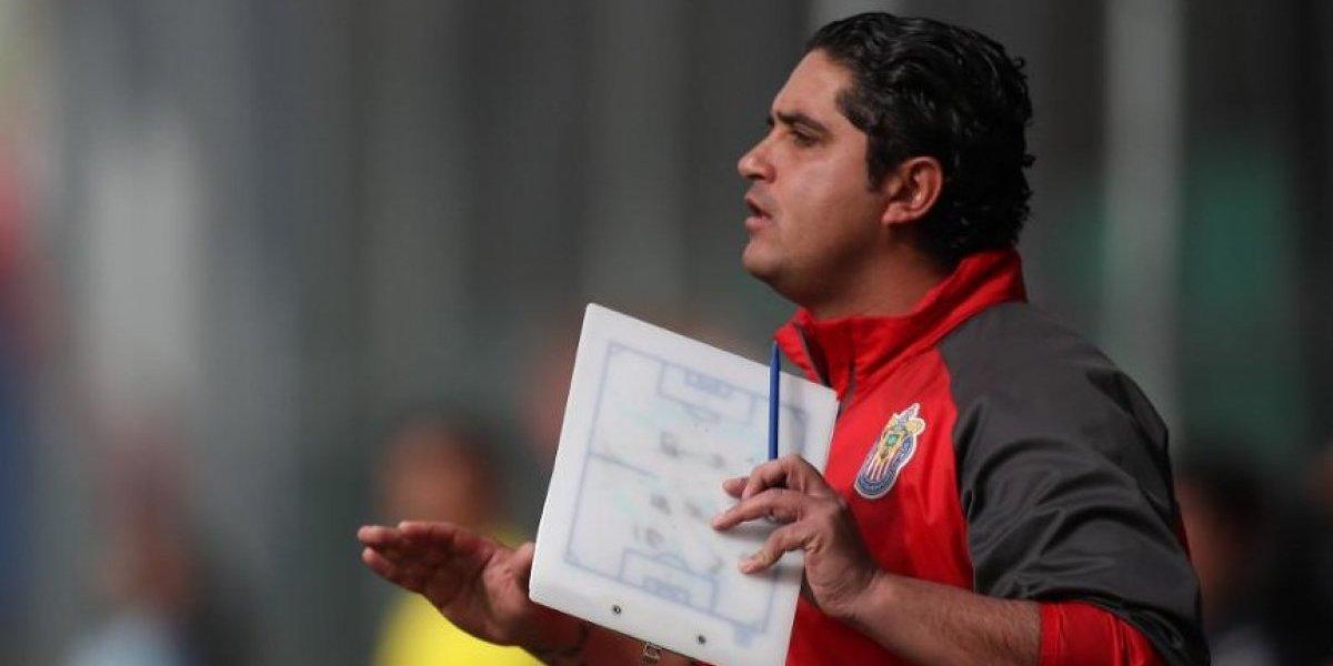 Con la playera no se gana: técnico de Chivas femenil
