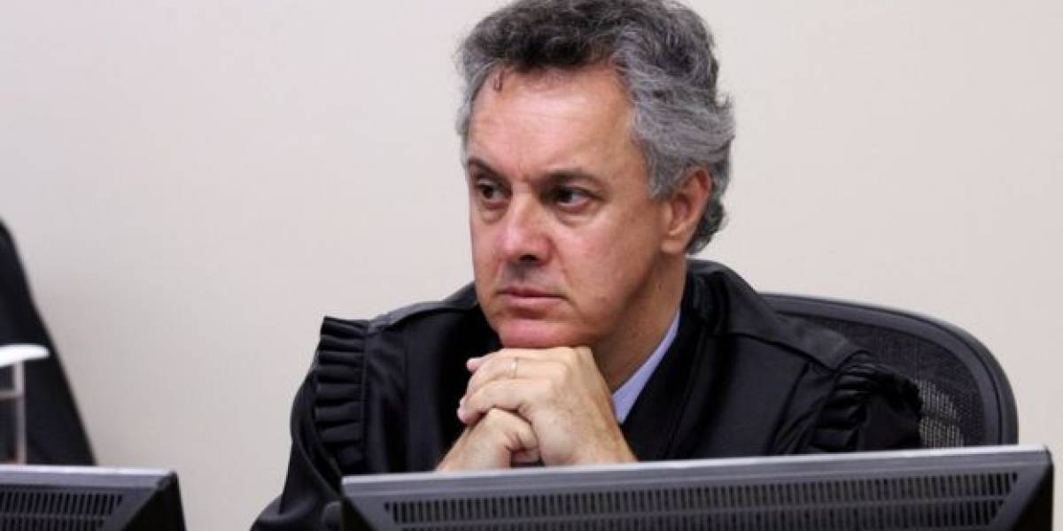 Relator da Lava Jato revoga habeas corpus de Lula