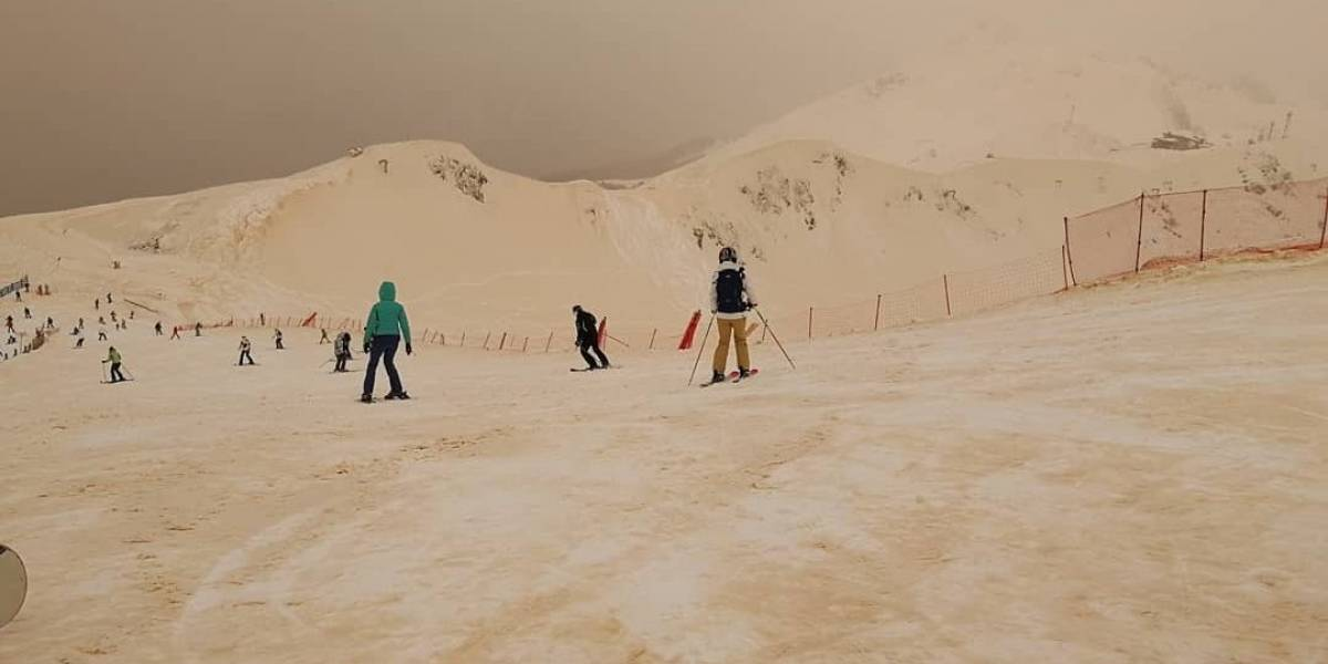 Estranho fenômeno da neve laranja intriga países do leste europeu; veja imagens