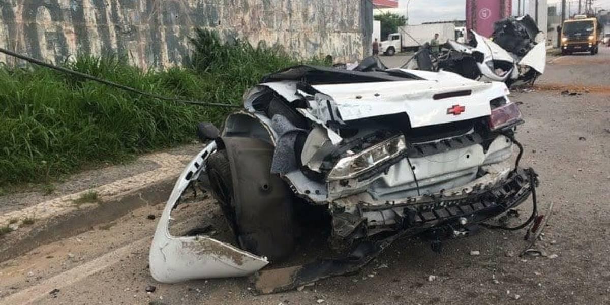 Funkeiro MC Brisola sobrevive a acidente gravíssimo; Camaro partiu ao meio