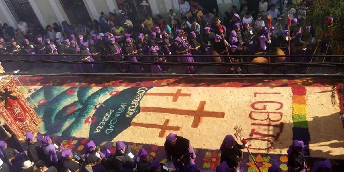 Asociación Gente Positiva elabora alfombra y mantas para pronunciarse sobre situación del país