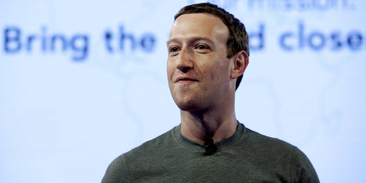 Mark Zuckerberg defiende modelo de negocios de Facebook