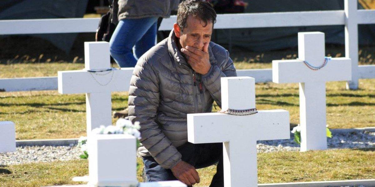 Día histórico: familiares asistieron a una inédita ceremonia en honor a 90 soldados caídos en las Malvinas