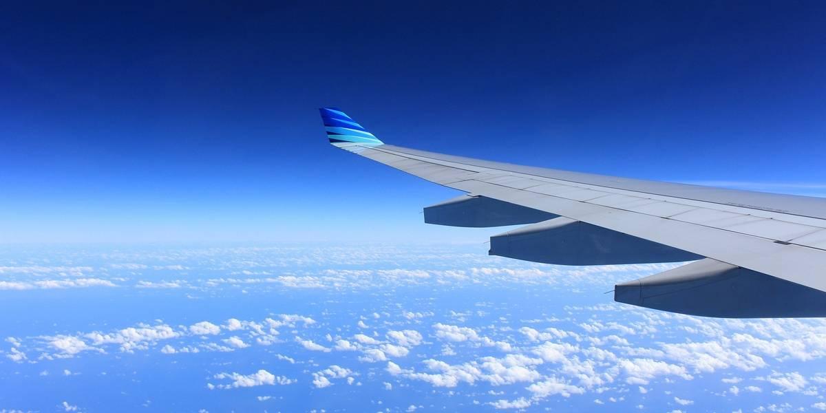 Avião faz pouso de emergência após janela do piloto cair em pleno voo