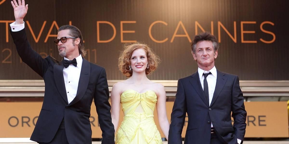 Amigos de Brad Pitt desmentem tabloide que afirma que ele tem bebido com Sean Penn